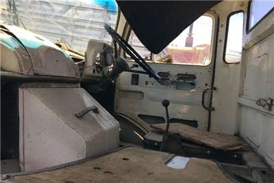 Mercedes Benz Mercedes Benz Bullnose Towtruck Truck