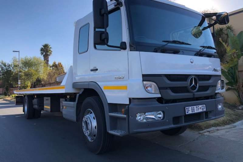 Mercedes Benz Truck Roll back Atego 1523 F/C 9m Roll Back 2014