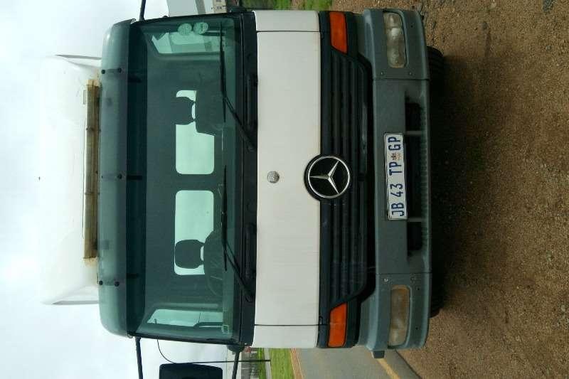 Mercedes Benz Truck Roll back ATEGO 8 TON ROLLBACK 2002
