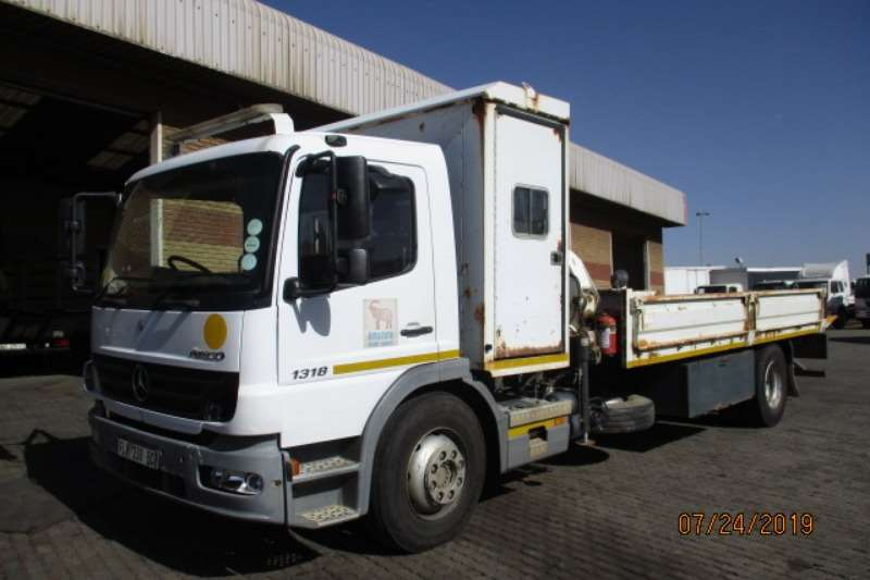 Mercedes Benz Truck Roll back MERC BENZ 1318 ATEGO ROLLBACK WITH BONFIG 7200 2010