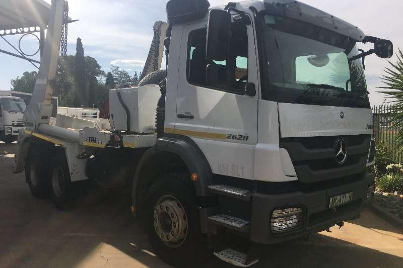 Mercedes Benz Truck Skip bin loader Axor 2628 F/C 13 Ton TFM SM16 Skip Loader 2016