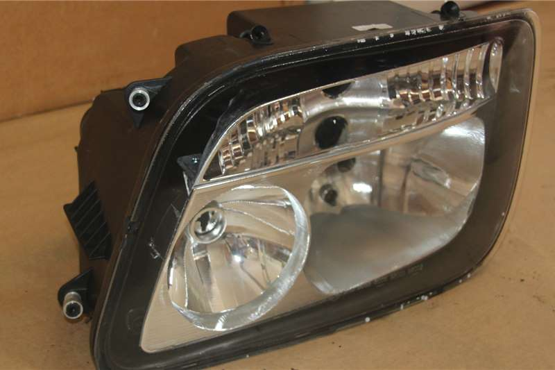 Mercedes Benz Body Mercedes Headlight MP2 Truck spares and parts