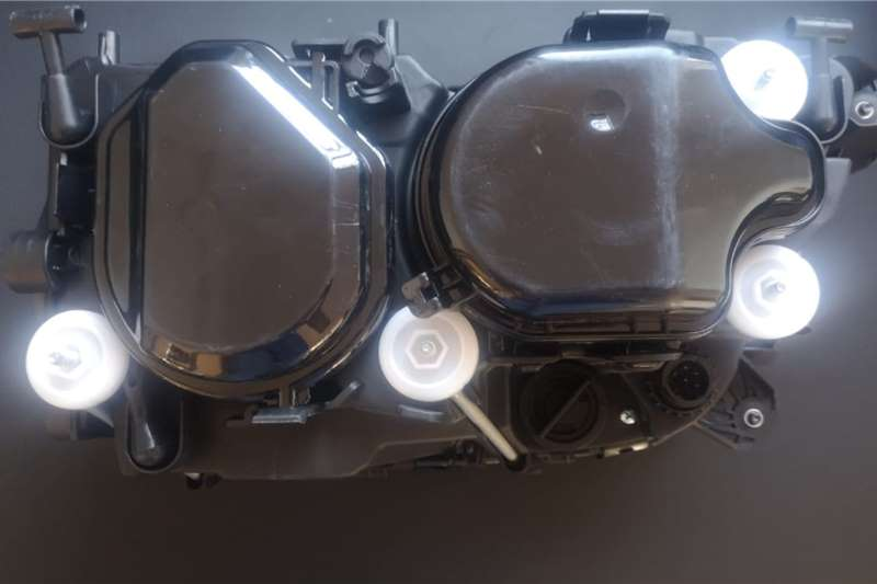Mercedes Benz Body Mercedes Mp3 Headlight Truck spares and parts