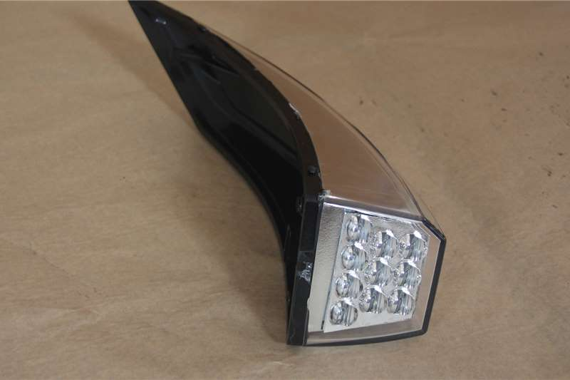 Mercedes Benz Body Volvo indicator light V4 Truck spares and parts