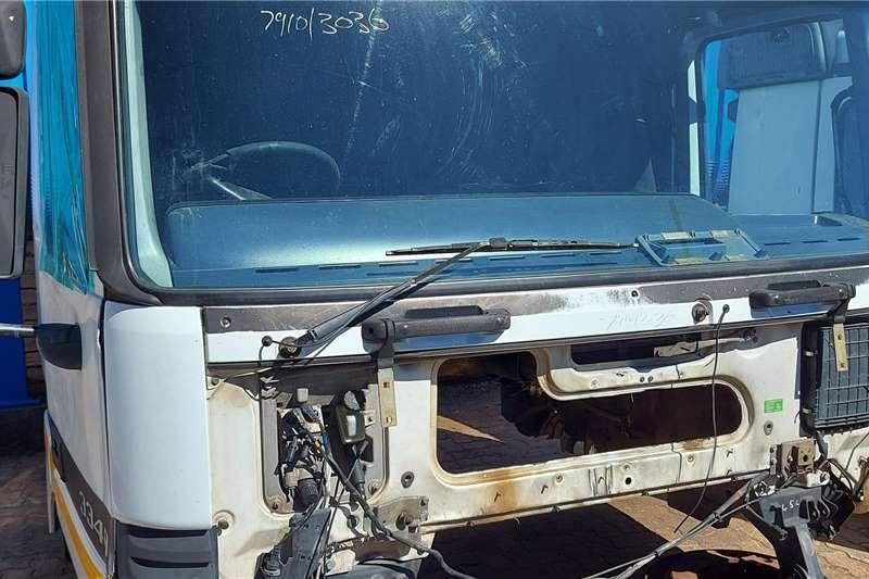 Mercedes Benz Cab Mercedes Benz 3348 Actros Cab Truck spares and parts