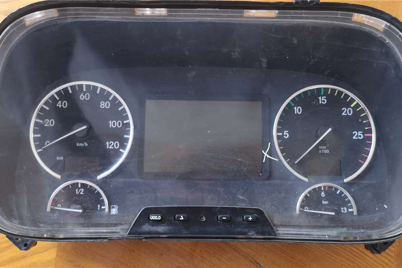 Mercedes Benz Electrical systems UsedCluster Mercedes MP3 Truck spares and parts