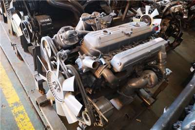 Mercedes Benz Engines Truck spares and parts