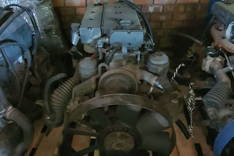 Mercedes Benz Engines Om904 Truck spares and parts