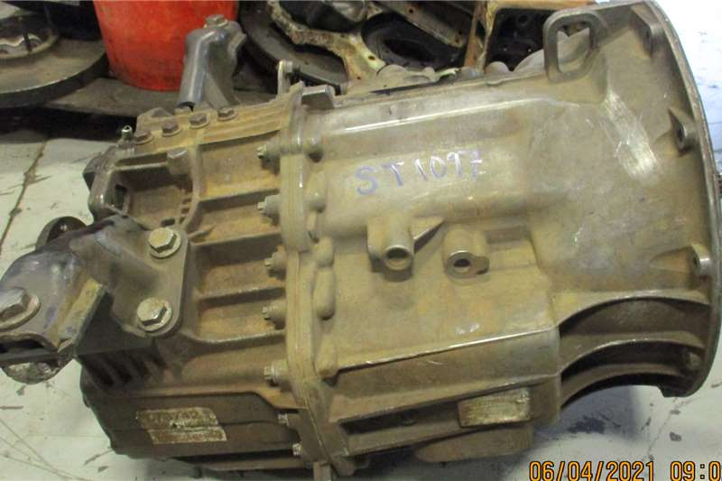 Mercedes Benz Gearboxes G60 GEARBOX Truck spares and parts