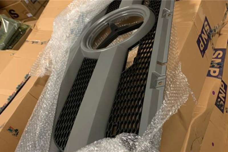 Mercedes Benz MP3 GRILL Truck spares and parts
