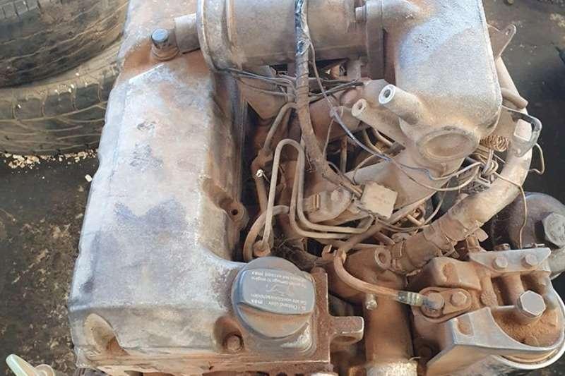 Mercedes Benz Truck spares Engines