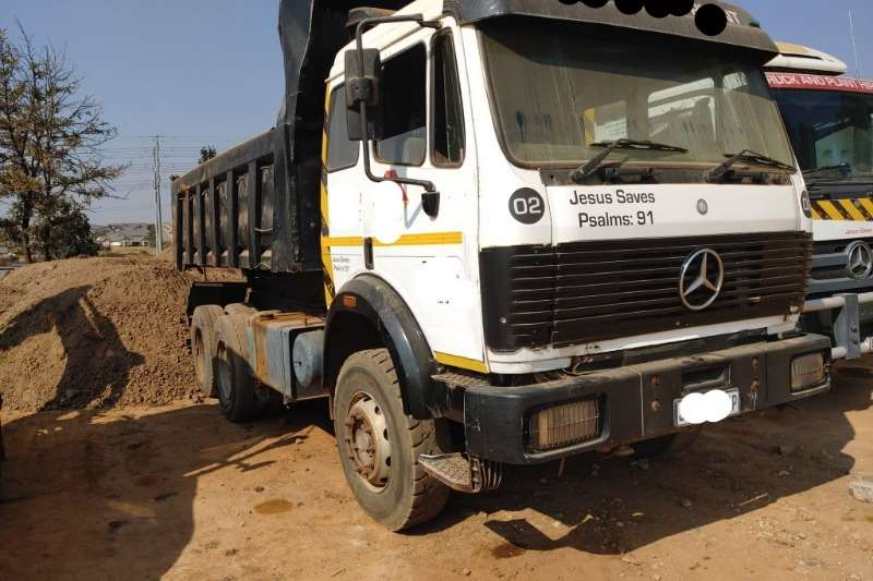 Mercedes Benz Truck Tipper 10 cube Tipper Truck