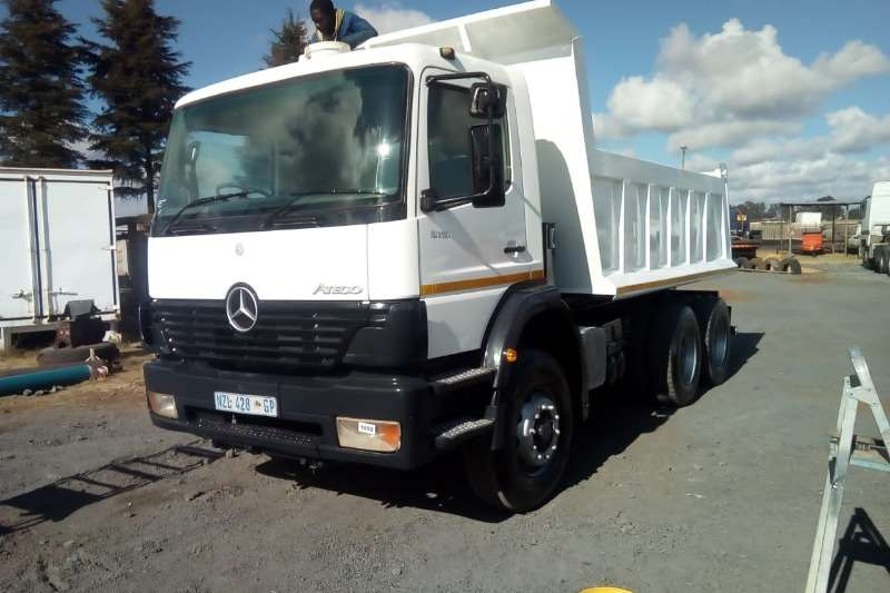 Mercedes Benz Truck Tipper 2628 atego with 10Cube tipper bin