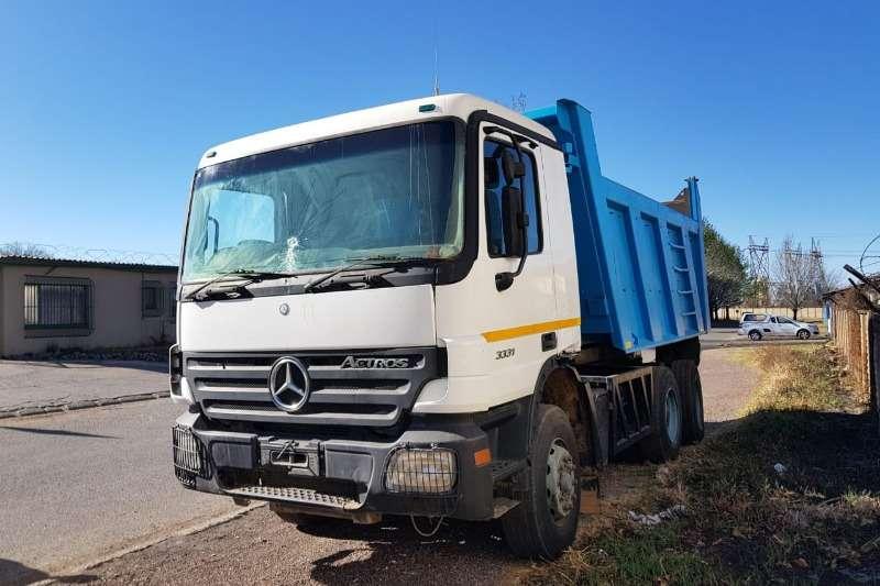 Mercedes Benz Truck Tipper 3331 with 10cube tipper bin 2004