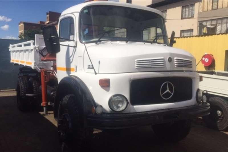 Mercedes Benz Tipping body Mercedes Benz 1517 4X4 Tipper Crane Dropside Truck