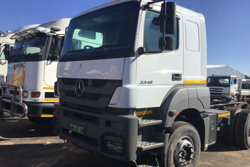 Mercedes Benz Truck-Tractor Double axle 2010 Mercedes Benz Axor 3340 2010