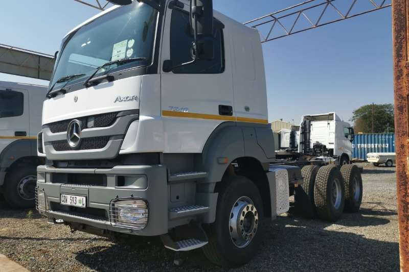 Mercedes Benz Truck-Tractor Double axle 2014 MBenz 3340S33 Axor T/Tractor 2014