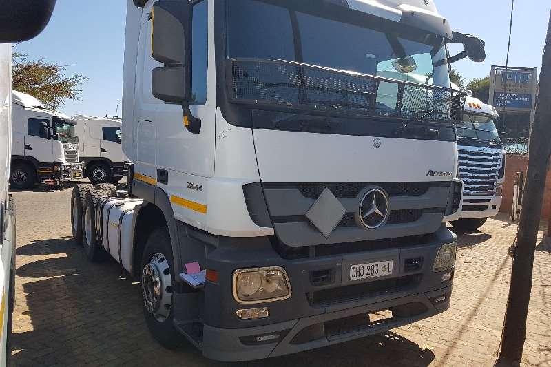 Mercedes Benz Truck-Tractor Double axle 2015 Mercedes Benz Actros 2644 2015