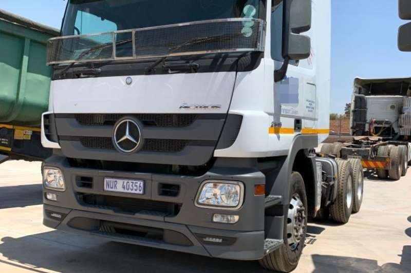 Mercedes Benz Truck-Tractor Double axle 2646 6x4 T/T 2015