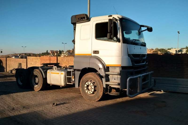Mercedes Benz Truck-Tractor Double axle 3340 AXOR 2012