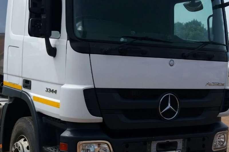 Mercedes Benz Truck-Tractor Double Axle 3344 2016