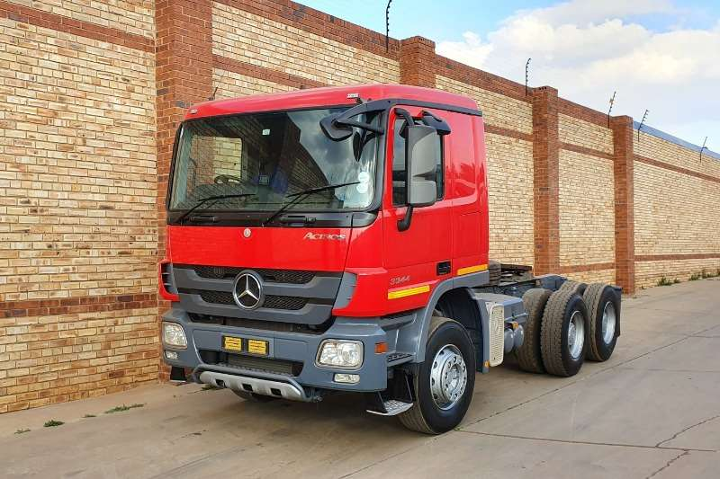 Mercedes Benz Truck-Tractor Double axle 3344 ACTROS MP3,6x4,EX COKE,FULL SERVICE HISTORY 2011