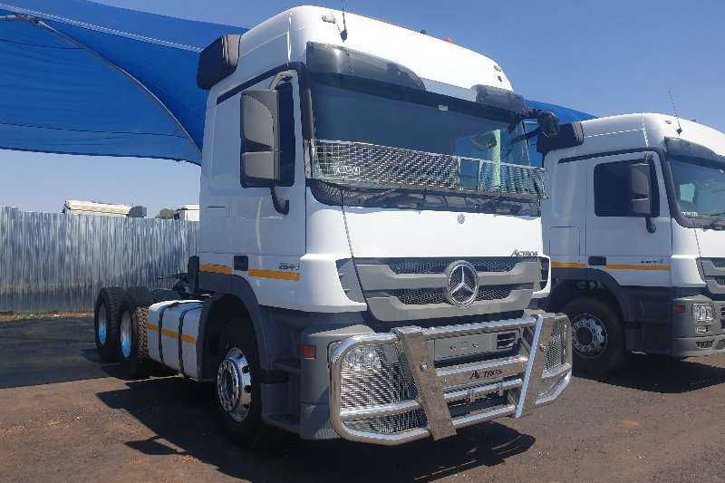 Mercedes Benz Truck-Tractor Double axle Actros 2644 MP3 2014