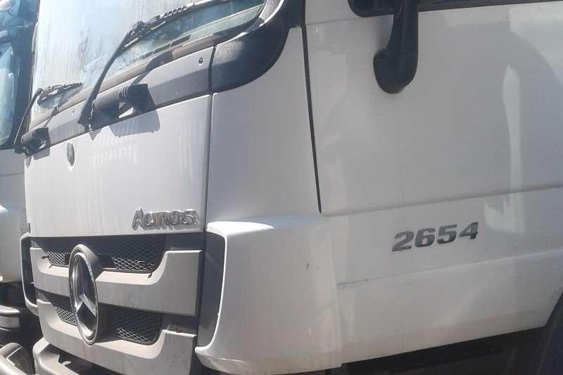 Mercedes Benz Truck-Tractor Double Axle Actros 2644LS/33 HYP 2014