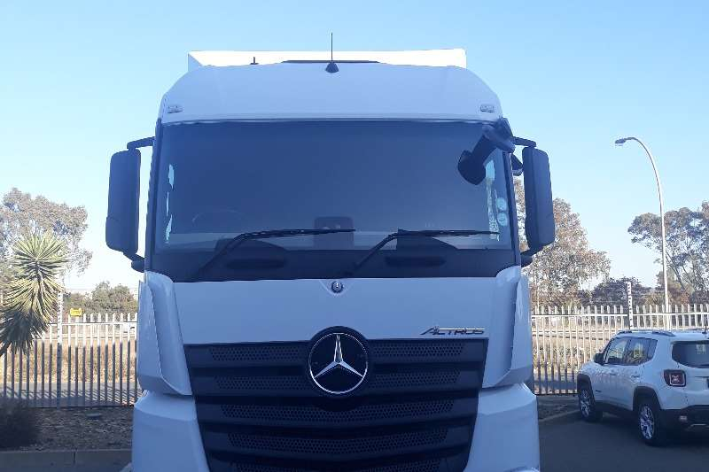 Mercedes Benz Truck-Tractor Double axle Actros 2645LS/33 2018