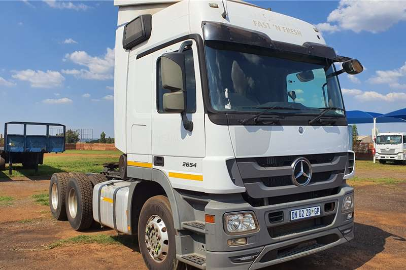 Mercedes Benz Truck-Tractor Double axle Actros 2654 MP3 2015