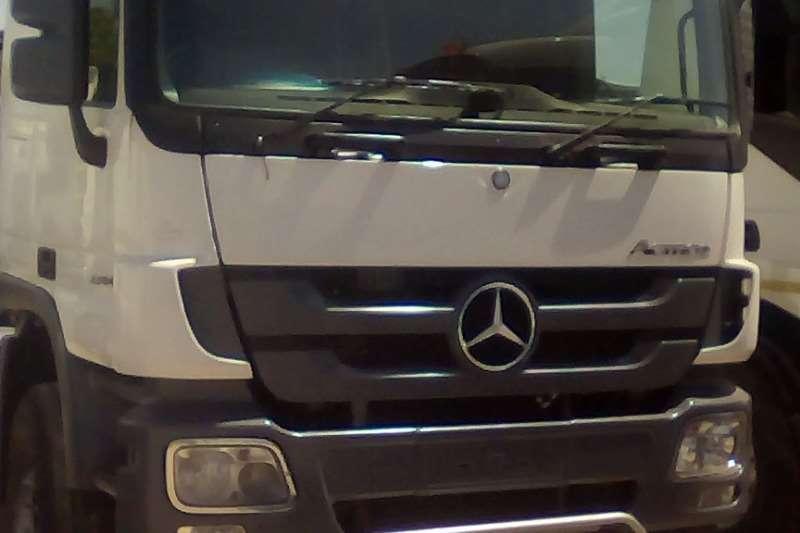 Mercedes Benz Truck-Tractor Double Axle Actros 3344 2013
