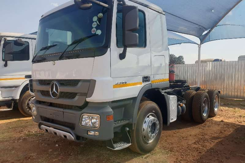 Mercedes Benz Truck-Tractor Double axle Actros 3344 MP3 2012