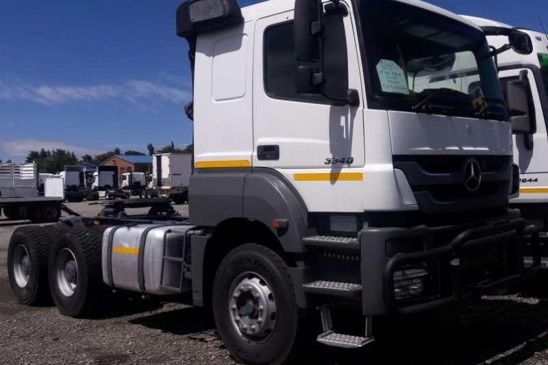 Mercedes Benz Truck-Tractor Double axle AXOR 3340 6x4 2013