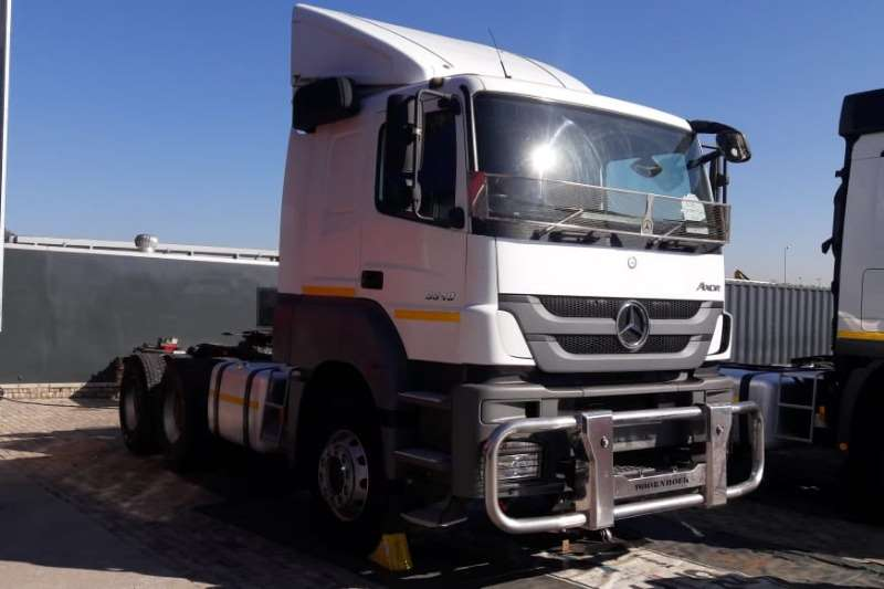 Mercedes Benz Truck-Tractor Double axle Axor 3340 6x4 Truck Tractor with Hydraulics 2016