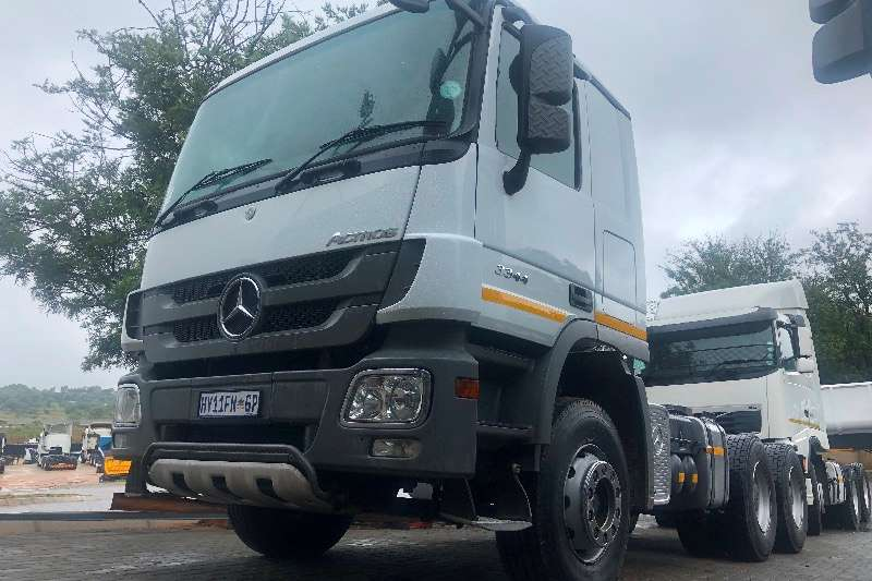 Mercedes Benz Truck-Tractor Double axle Mercedes Benz 3344 TT 6X4 2017