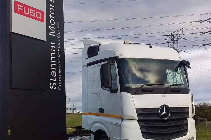 梅赛德斯-奔驰双轴梅赛德斯-奔驰Actros 2645LS/33卡车拖拉机