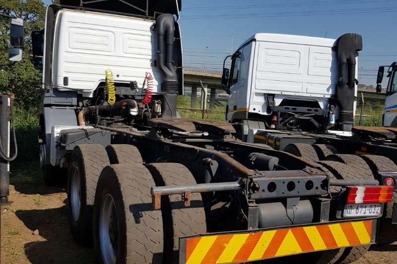 Mercedes Benz Double axle MERCEDES BENZ AXOR 3335 6X4 MECHANICAL HORSE Truck-Tractor