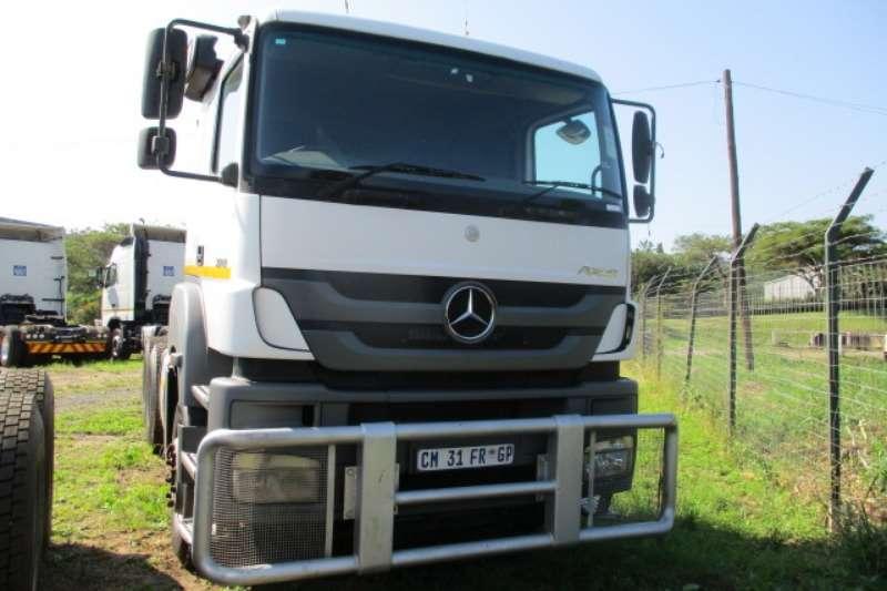 Mercedes Benz Truck-Tractor Double axle MERCEDES BENZ AXOR 3340 6X4 MECHANICAL HORSE 2010