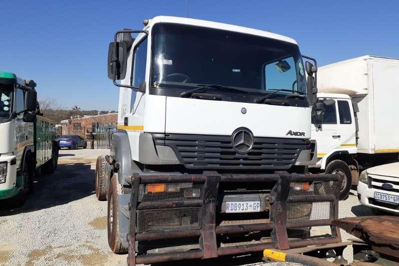 Mercedes Benz Truck-Tractor Mercedes Benz Axor 1835 Truck Tractor 4x2 2004