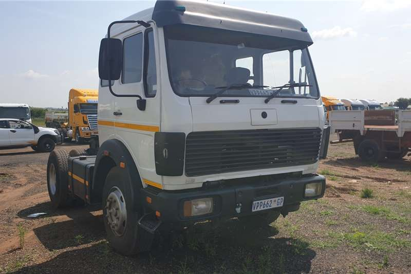 Mercedes Benz Truck-Tractor Single Axle 1926 V Series 1989