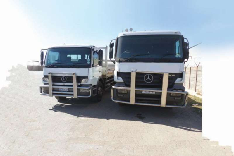 Mercedes Benz Truck-Tractor Single axle 2008 Mercedes Benz Actros 2035 2008
