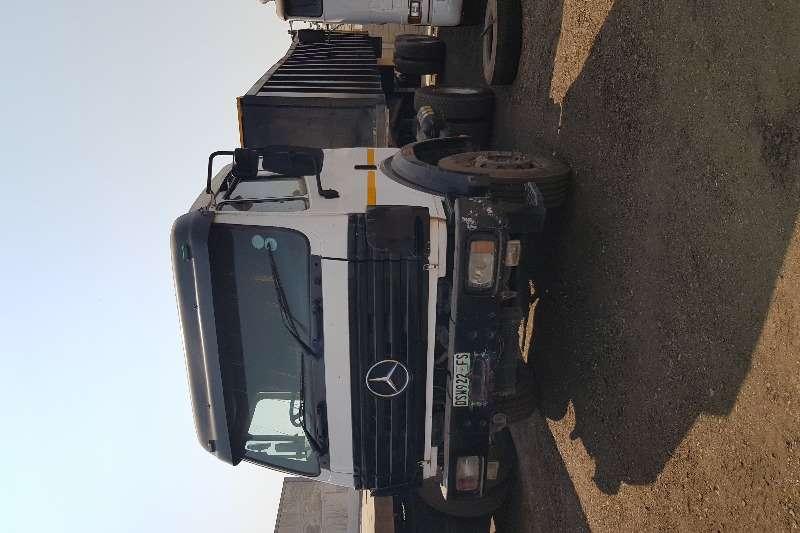 Mercedes Benz Truck-Tractor Single axle MB1729 4x2TT + 30cube Copelyn Combo