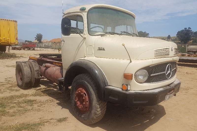 Mercedes Benz Truck-Tractor Single axle Mercedes Benz 1924 1981