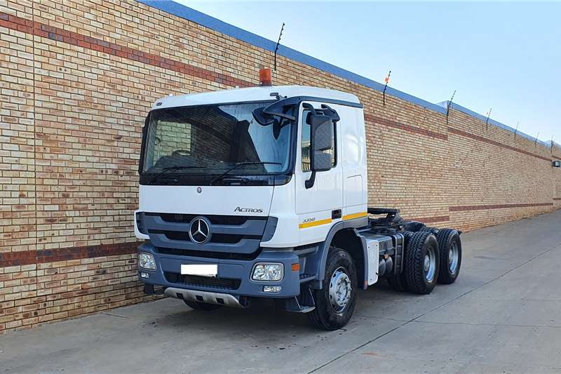 Mercedes Benz Truck tractors ACTROS 3350,6x4 WITH HYDRAULICS COR & SERVICE DONE 2012