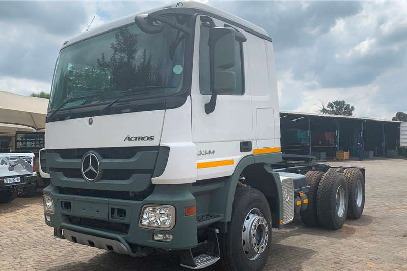 Mercedes Benz Truck tractors Double axle 2014 Mercedes Benz Actros 3344 2014