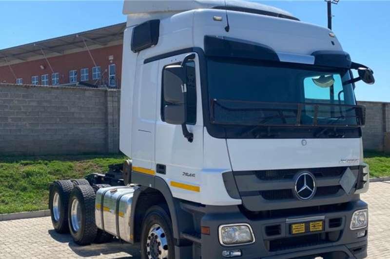 Mercedes Benz Double axle 2016 Mercedes Benz Actros 2646 Truck tractors