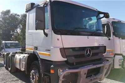 Mercedes Benz Double axle 2016 Mercedes Benz Actros 3344 Truck tractors