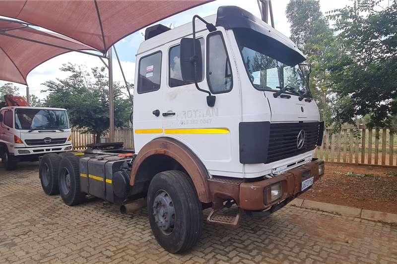 Mercedes Benz Double axle 2635 Truck tractors