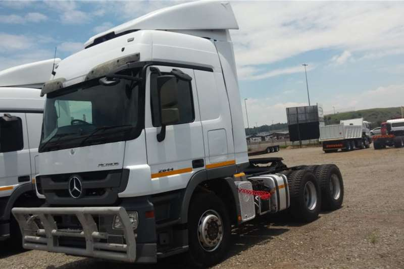 Mercedes Benz Double axle Actros 2644 6x4 Truck Tractor Truck tractors