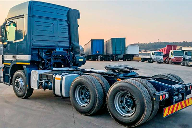 Mercedes Benz Double axle Actros 2644 with high point diff   FSH Truck tractors